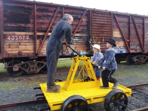 rail pump car