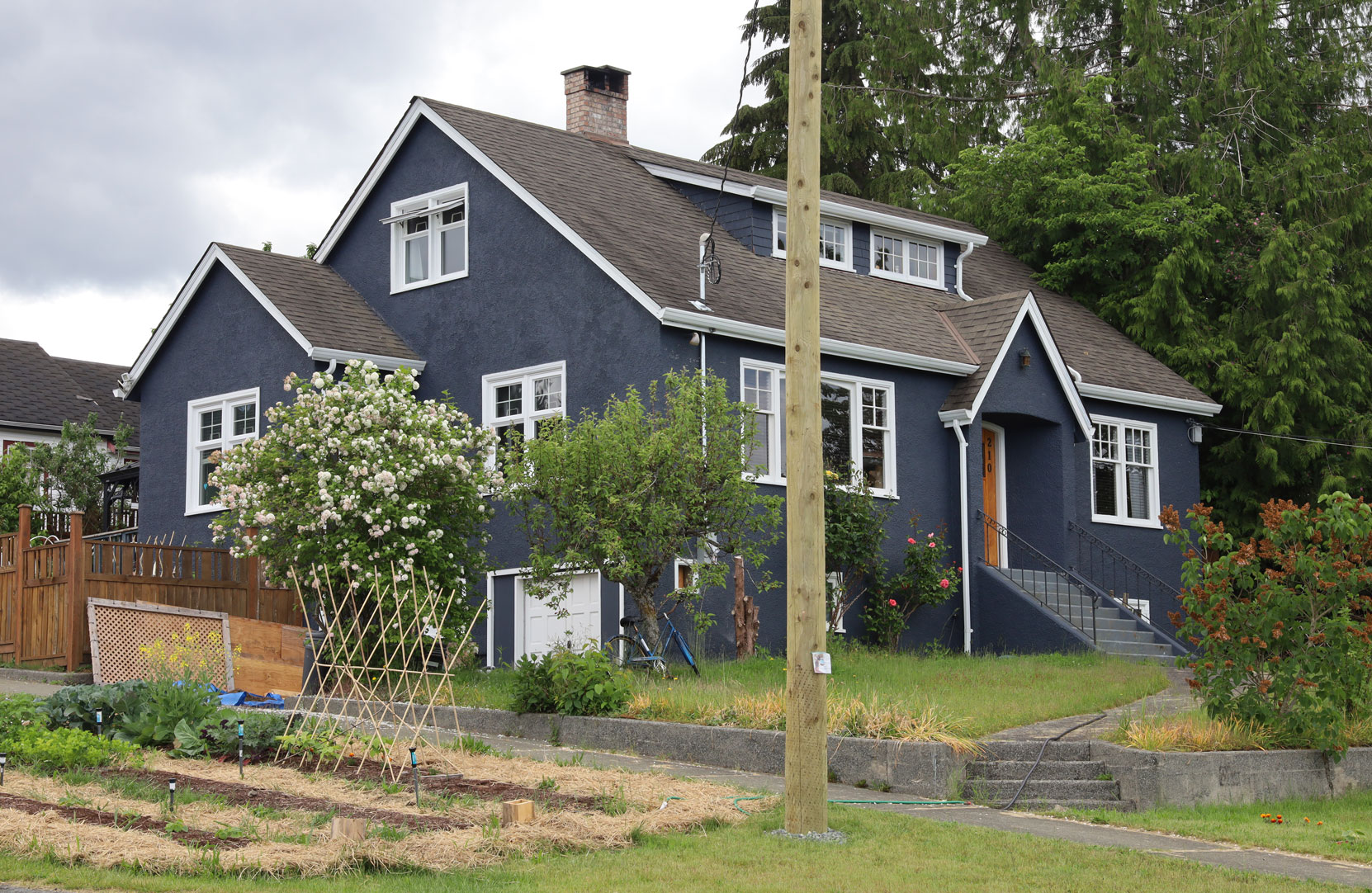 210 2nd Avenue, Ladysmith, BC. Built in 1944.