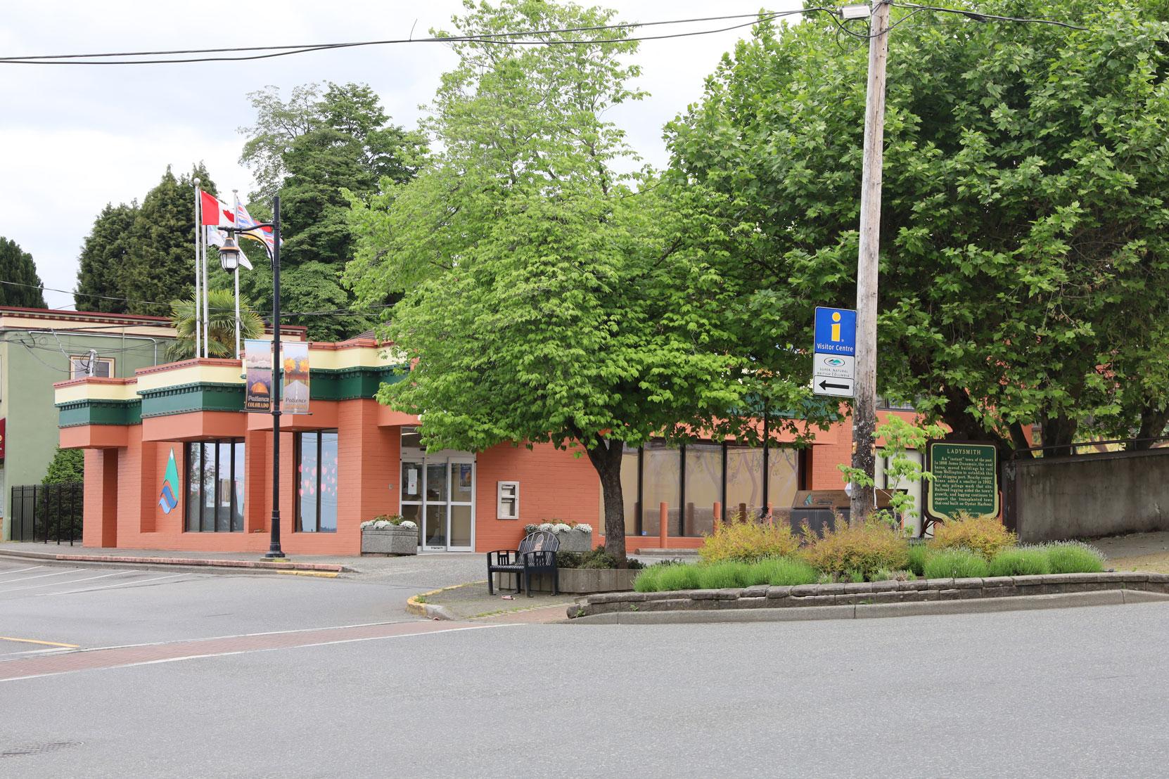 330 1st Avenue, Ladysmith, B.C., built in 1973. (photo: Mark Anderson)
