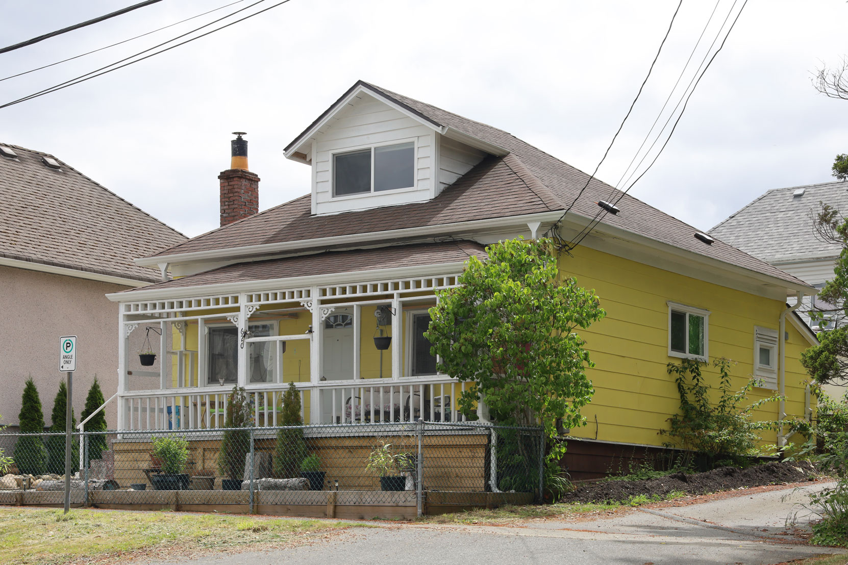 620 3rd Avenue, built in 1920 (photo: Mark Anderson)