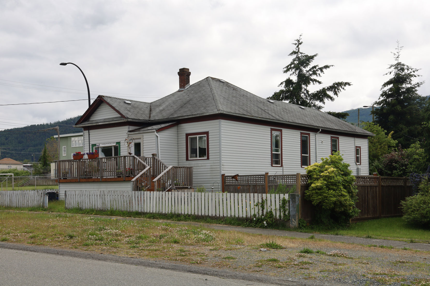 910 3rd Avenue, built in 1908 (photo: Mark Anderson)