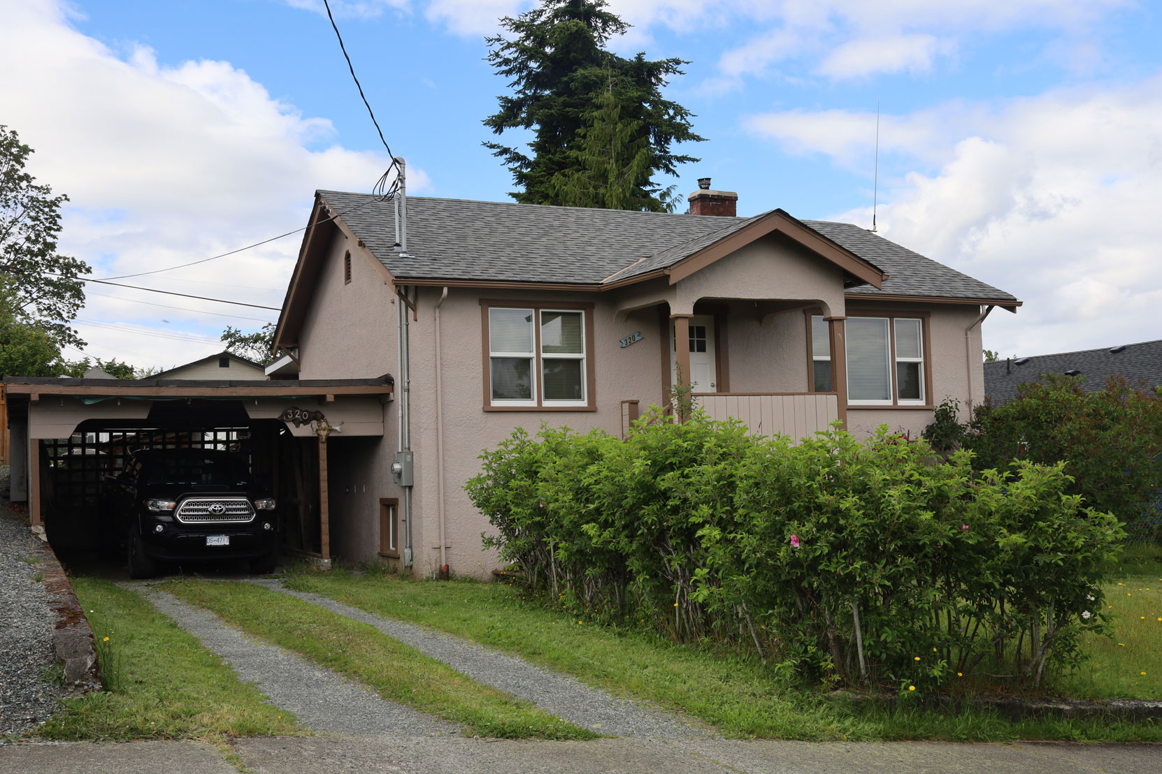 320 Methuen Street, Ladysmith, BC, built in 1942 (photo: Mark Anderson)